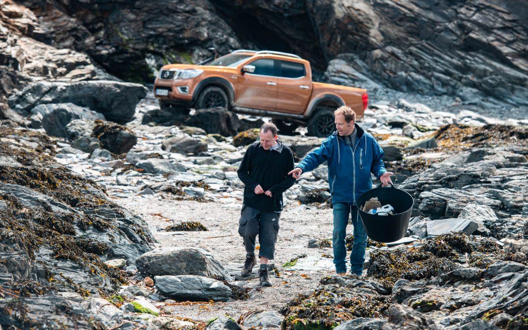 Nissan Navara włącza się do walki z zanieczyszczeniami plastikiem na najbardziej niedostępnych plażach Europy